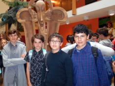 Šesťáci v divadle Radost